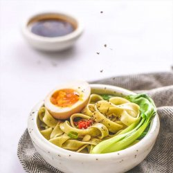 FN10 Vegetable noodle with Pepper sauce 500g